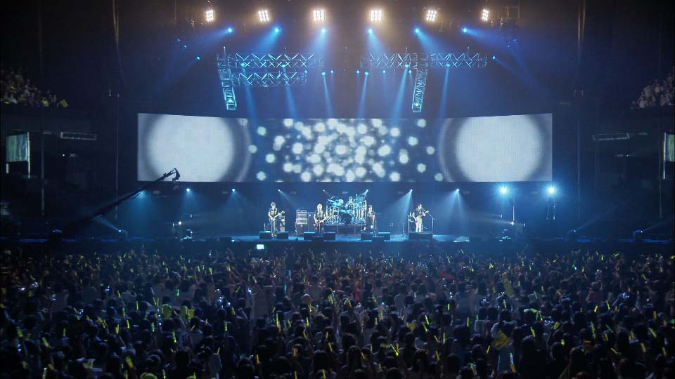 "FTISLAND-Tour 2011 Summer Final ""Messenger"" at BUDOKAN"