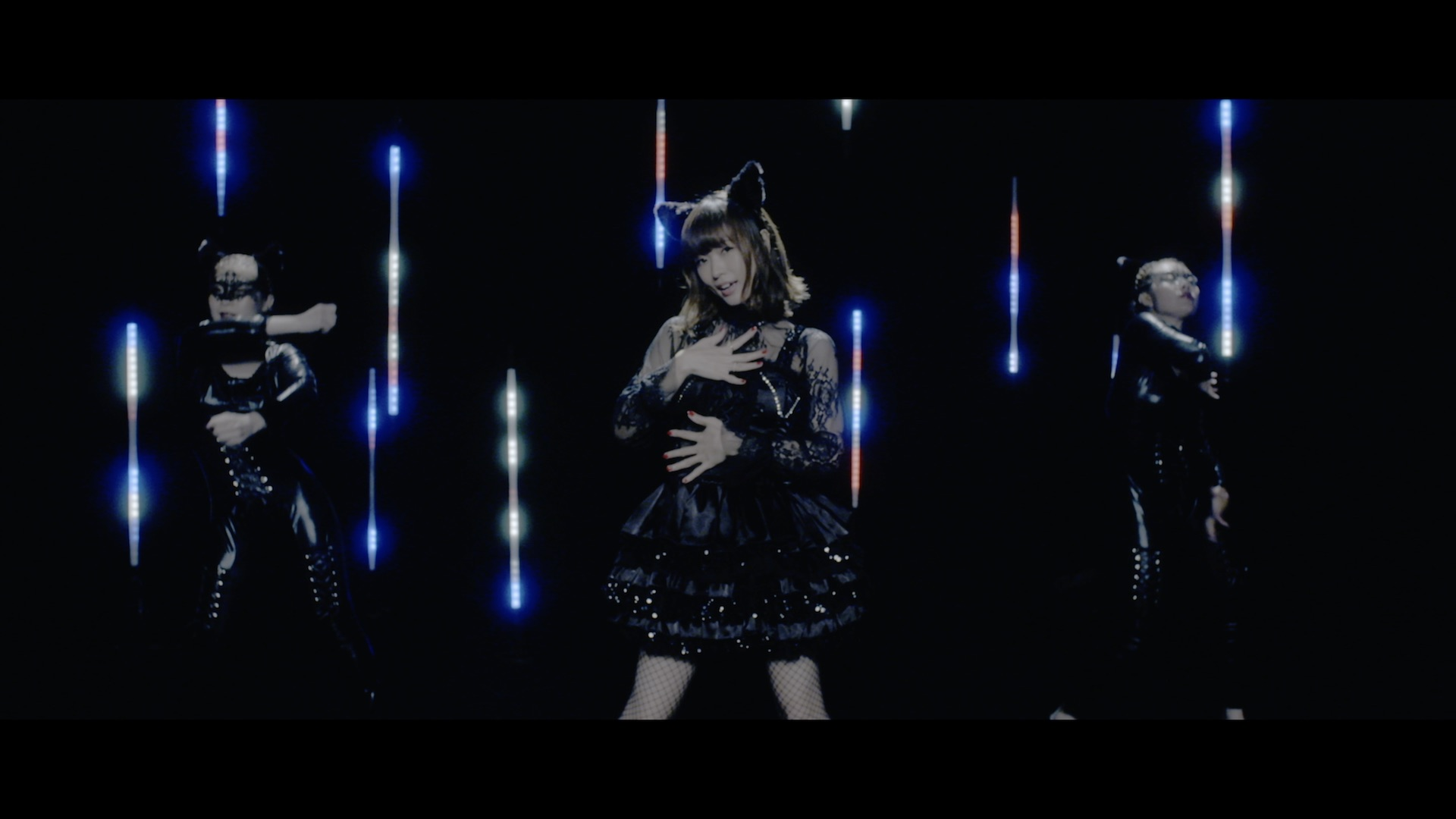 渕上舞-BLACK CAT